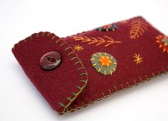 Felt phone case. Ipod Gadget cover. Autumn red by PuffinPatchwork, $21.00 Felt Phone Cases, Needle And Thread, Ipod, Knit Crochet, Sunglasses Case, Gadgets, Embroidery, Sewing, Knitting