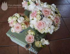 pastelowa stylizacja ślubna bukiety z róż i peonii
