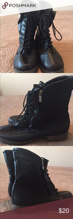 Used Faux leather Combat boots Sz 9 This is a pit of black combat boots. Double zipper and very stylish. Front of boots scuffed as indicated in pics. Still have a lot of life left. Shoes Combat & Moto Boots