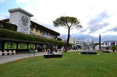blogdetravel: Jurnal de călătorie, Italia 2015 - Pisa, în zona a... Pisa, Sidewalk, Mansions, House Styles, Decor, Italia, Decoration, Villas, Sidewalks