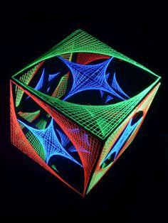 "DIY Geometric String Art | PSYWORK Schwarzlicht 3D StringArt Würfel ""Funny Stars"", 55cm"