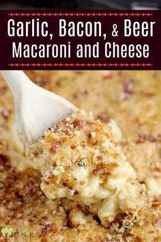 Garlic, Bacon, and Beer Macaroni and Cheese has pub cheese, bacon, and garlic for a ridiculously good bacon and mac and cheese of your dreams. This baked mac and cheese with bacon might be the best gourmet mac and cheese recipe ever. Beer Mac And Cheese, Best Macaroni And Cheese, Macaroni Cheese Recipes, Bacon Recipes, Cooking Recipes, Jalapeno Recipes, 6 Cheese Mac And Cheese, Pub Recipes, Garlic Cheese