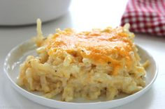 Copycat Cracker Barrel Hashbrown Casserole - o cheesy and so easy to make right at home. Great for breakfast or even a dinner side. Plus they are perfect for potlucks or anytime you are needing to feed a crowd paleo dessert for a crowd Hashbrown Casserole Recipe, Cracker Barrel Hashbrown Casserole, Hash Brown Casserole, Casserole Recipes, Cracker Barrel Cheesy Potatoes, Cheese Potatoes, Casserole Dishes, Breakfast And Brunch, Breakfast Recipes