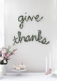 DIY Thanksgiving Greenery Garland