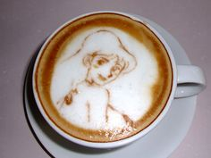 Howl Coffee Art Design // Creative 3D Coffee Latte Art Pictures, Images & Designs