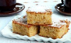 La torta mele e marmellata si taglia a quadratini e si trasforma in profumatissimi quadrotti alle mele super soffici e senza burro.