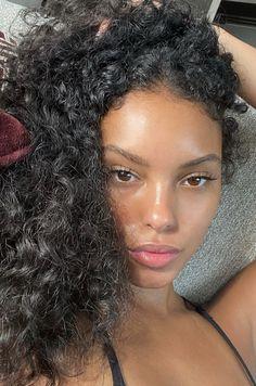 Beauty Makeup, Hair Makeup, Hair Beauty, Natural Face, Natural Makeup, Pretty Makeup, Makeup Looks, Curly Hair Styles, Natural Hair Styles