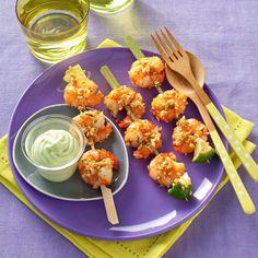 Découvrez la recette Brochettes de crevettes et mousse d'avocat sur cuisineactuelle.fr.