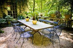 Mary Bairstow, pea gravel; courtyard dining