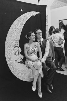 Moon Photo Booth - Katy Melling Photography | Vintage wedding at Eshott Hall, Northumberland | Rosa Clara Wedding Dress | Red Flowers