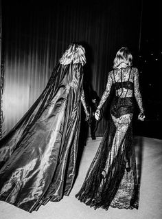 Karlie and Taylor 2014 Victoria's Secret Fashion Show.    55      18