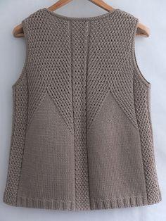 Gradient Baby Vest Making - bebek yelponcoyaplmliekleri - Baby Knitting Patterns, Knitting Stitches, Knitting Designs, Diy Crafts Knitting, Easy Knitting, Knit Vest Pattern, Sweater Design, Baby Sweaters, Knit Crochet