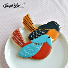 Sugar Dot Cookies: Tutorial - How to Decorate Oriole and Robin Sugar Cookies Bird Cookies, Fancy Cookies, Easter Cookies, Sugar Cookies, Christmas Cookies, Cake Decorating Classes, Cookie Decorating, Sugar Cookie Royal Icing, Cookie Designs