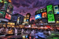 Toronto ~ Yonge and Dundas, mini version of NYC Times Square! It's not done yet, expanding farther up north along the world's longest street in the world Yonge Street. Times Square, Canada Toronto, Canada Tourism, Canada Travel, Voyage Canada, Yonge Street, Manipulation, Downtown Toronto, Toronto City