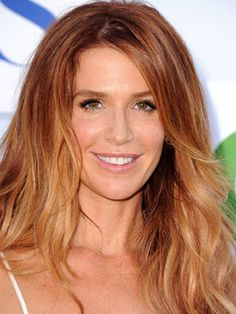 Poppy Montgomery Hair Color (Her Natural Level 7) Formula: Base out to about 5 inches:  6GD (1/2oz)  6CR (1oz)  Mix with: 20 vol activator  Midlength to Ends: Balayage 1 scoop White Lightening Powder to 2 scoops of 20 volume developer. [Continuted] #strawberryblonde #blonde #ombre