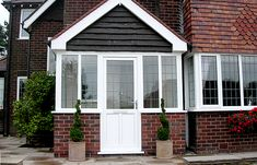 Remodeling front porch will drain the budget somehow. But you still have a chance to keep it with our pictures of porches in simple design. Check it! Porch Designs Uk, Simple Porch Designs, Front Porch Design, Porch Roof Uk, Pictures Of Porches, Porch Installation, Porch Builders, Small Conservatory, Glass Porch