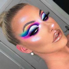 Makeup Eye Looks, Eye Makeup Art, Sexy Makeup, Clown Makeup, Smokey Eye Makeup, Glam Makeup, Pretty Makeup, Maroon Makeup, Golden Makeup