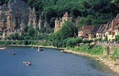 La Roque-Gageac village in Dordogne - voted one of the 'most beautiful village of France' #FMTM2013 ©JJ - Brochard / CRTA