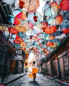 11 Top Things To Do in Istanbul, Turkey 2 Day Guide : things to do istanbul umbrella street Things Istanbul, Turkey Istanbul Airport, Istanbul Hotels, Istanbul Travel, Istanbul City, Umbrella Street, Visit Turkey, Hagia Sophia, Cities In Europe, Turkey Travel