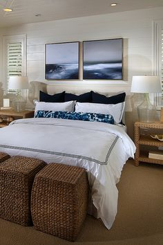 I love this nautical themed bedroom! The bedspread goes so well with ...