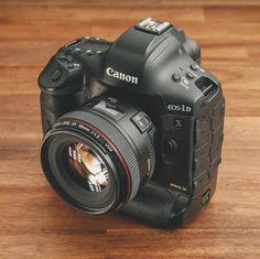 Canon Cameras, Old Cameras, Camera Tips, Camera Hacks, Camera Wallpaper, Dslr Photography Tips, Classic Camera, Gamers, Plant Protein