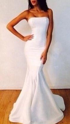 Elegant Mermaid White Strapless Prom Dress