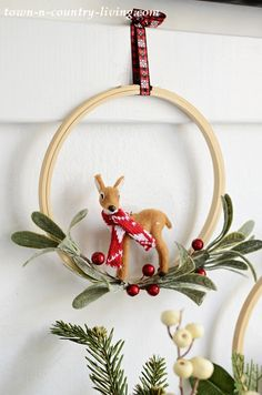 DIY Embroidery Hoop Christmas Wreath with Mini Animals Paper Christmas Ornaments, Christmas Wreaths, Christmas Decorations, Holiday Decor, Burlap Christmas, Primitive Christmas, Country Christmas, Christmas Snowman, Christmas Embroidery