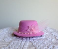 Royal Tea Hats - handmade fascinator hat clips to hair - for little girls tea parties, wedding and bridal showers, derbies, birthdays, etc. https://www.etsy.com/shop/royalteahats