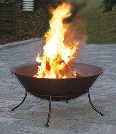 Vuur. Dit is een natuurlijke lichtbron.