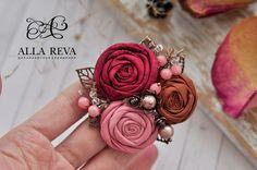 Купить или заказать Брошь 'Роза Марокко' в интернет-магазине на Ярмарке Мастеров. Брошь 'Роза Марокко'. Материалы: ткань, агат, жемчуг Майорка, стеклянные бусины, японский стеклярус, фурнитура цвета античной меди.