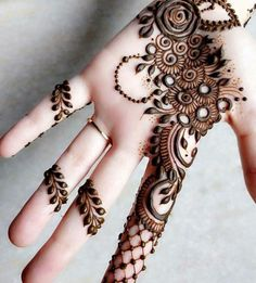 Mehendi is enhanced the beauty of your hands. Here in this article, we are going to show different Arabic bridal mehndi designs for girls. Mehndi Designs Front Hand, Latest Arabic Mehndi Designs, Henna Art Designs, Mehndi Designs 2018, Mehndi Designs For Beginners, Modern Mehndi Designs, Mehndi Design Pictures, Mehndi Designs For Girls, Mehndi Designs For Fingers