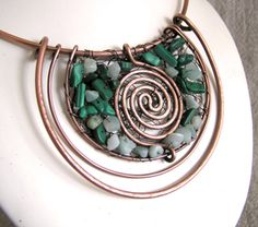 wire necklace Very interesting!