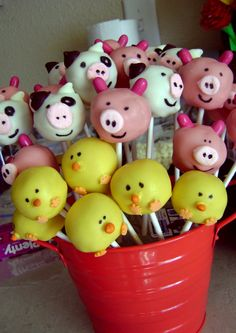 THE PIGS! Must learn how to make cake pops ....