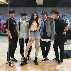 Sunmi with her Gashina dance group