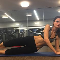 Last workout before going to London and it feels so good @victoriassecret #TrainLikeAnAngel @victoriassecretsport #VSFashionShow #CountDown