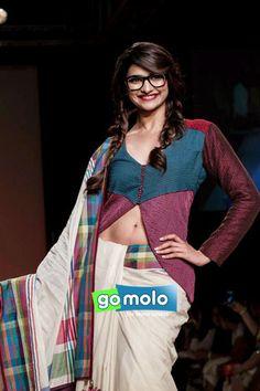 Sexy Bollywood Actress Prachi Desai In A White Saree Lakme Fashion Week