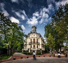 Walking in my City by Joseba Herrero on 500px