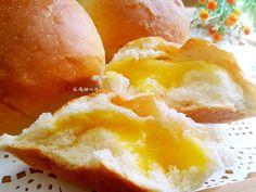 Egg custard pudding / purin sweet bread buns 布丁甜麵包