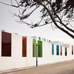 Cores no Centro Educacional por Alejandro Munoz Miranda
