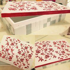 Caixa organizadora pintada a mão com as laterais em pastilha. R$ 130,00.