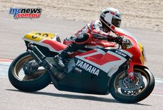 Steve Baker, the Grand Prix 750cc World Champion of 1977, also made a special appearance at Coupes Moto Légende and showed once more why people line up to see his extraordinary riding skills.