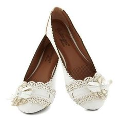Frilly foofles: delicate little shoes with fancy-fance detailing | Offbeat Bride