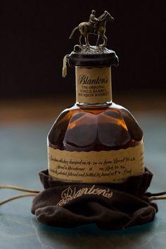 Blanton's The original single barrel bourbon whiskey Bourbon Whiskey, Cigars And Whiskey, Scotch Whiskey, Whiskey Bottle, Whiskey Girl, Alcohol Bottles, Liquor Bottles, Vodka, Single Barrel Bourbon
