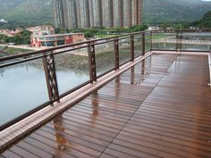 Decking Oils (010 Thermowood Oil) onto balcony decking boards in China