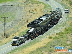 Camion per trasporto scorie nucleari, rimorchio a 92 ruote - http://www.funnydrivers.it/carichi-speciali/camion-per-trasporto-scorie-nucleari-rimorchio-a-92-ruote/