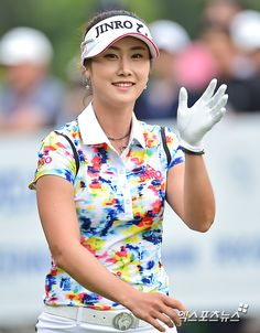 Golf Ladies Tips Interesting that this non-Major has the same purse of as last week's Salonpas Major. Kicks off Friday.SBS Golf will not carry it.not sure about JTBC Golf, as their sked for the Girls Golf, Ladies Golf, Women Golf, Golf Attire, Golf Outfit, Best Golf Irons, Golf Wear, Golf Fashion, Ladies Fashion