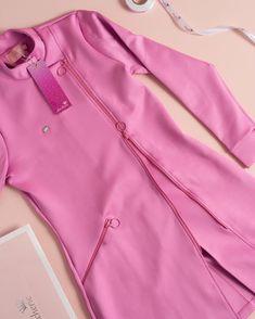 66 ideas medical doctor outfit fashion lab coats for 2019 Scrubs Outfit, Scrubs Uniform, Dental Uniforms, Salon Uniform, Spa Uniform, Stylish Scrubs, Beauty Uniforms, Beauty Salon Decor, Nail Designer