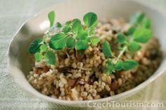 houbovy-kuba-kluci-v-akci-starocesky-recept Quinoa, Grains, Rice, Cooking Recipes, Vegetables, Food, Advent, Fine Dining, Kitchens