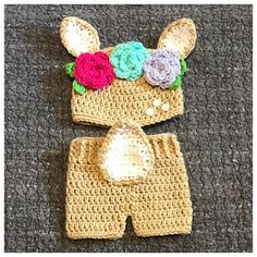 This sweet set is Size newborn. It should fit a baby up to This set includes: A hat Crochet Deer, Baby Girl Crochet, Newborn Crochet, Crochet Baby Hats, Baby Blanket Crochet, Crochet Clothes, Baby Deer Costume, Newborn Photo Outfits, Baby Outfits