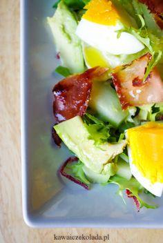 Sałatka z avocado, jajkiem i chrupiącą szynką parmeńską | Kawa i Czekolada Tiramisu, Eggs, Breakfast, Food, Salad, Morning Coffee, Essen, Egg, Meals